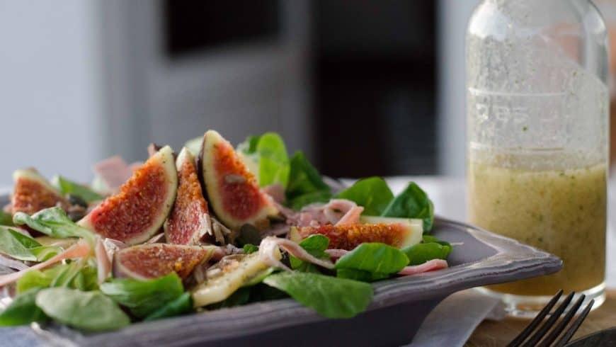 Salade au comté, figues et jambon & vinaigrette au miel