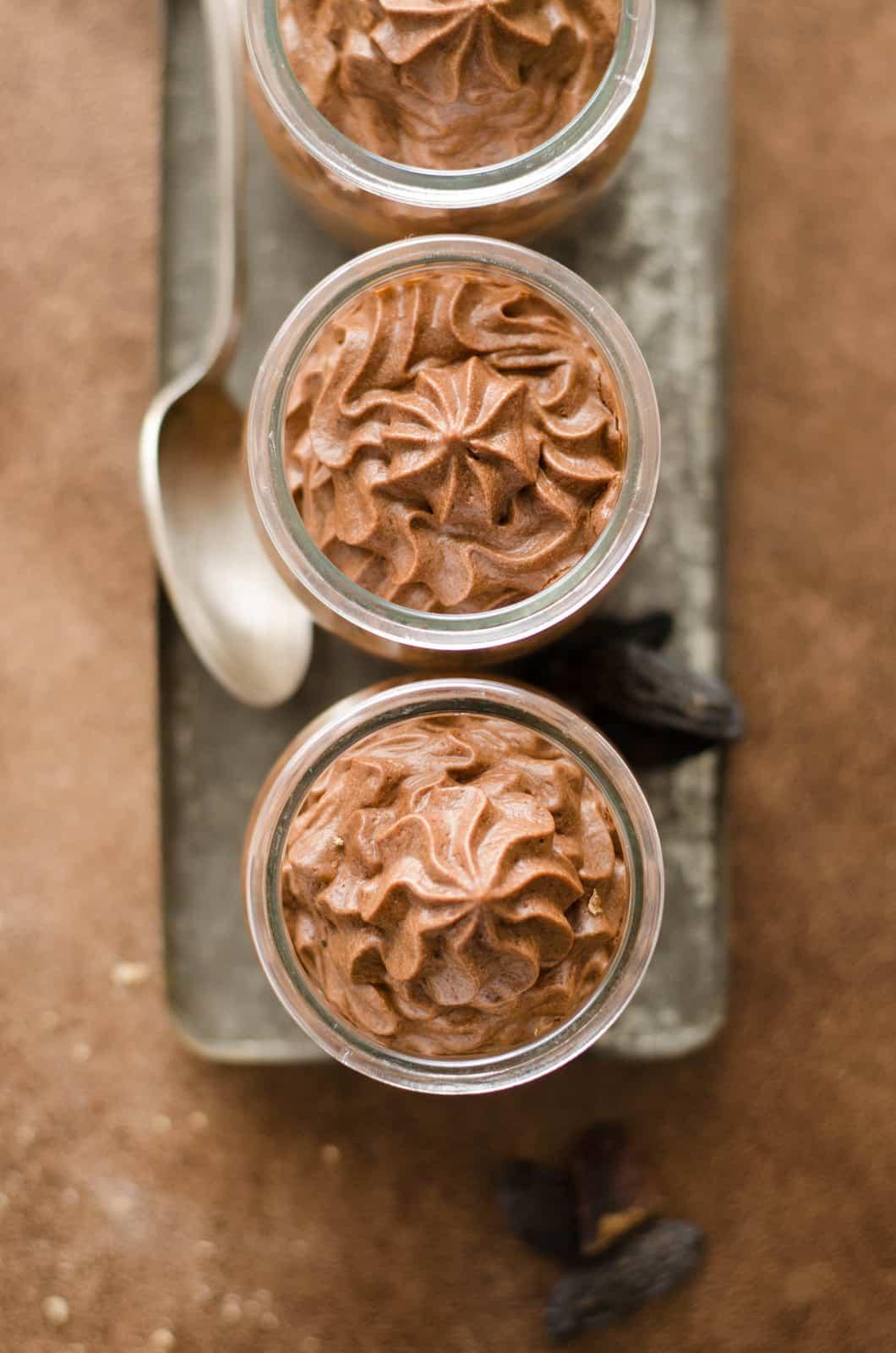 Mousse au chocolat & à la fève tonka