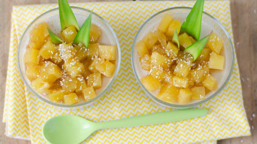 Panna cotta à la noix de coco & ananas caramélisé
