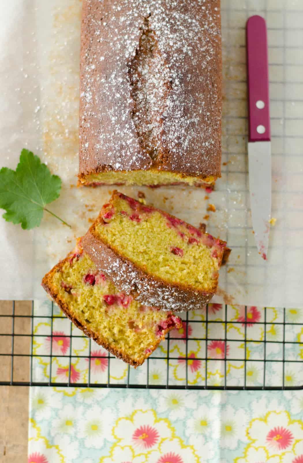 Cake pistache-groseille